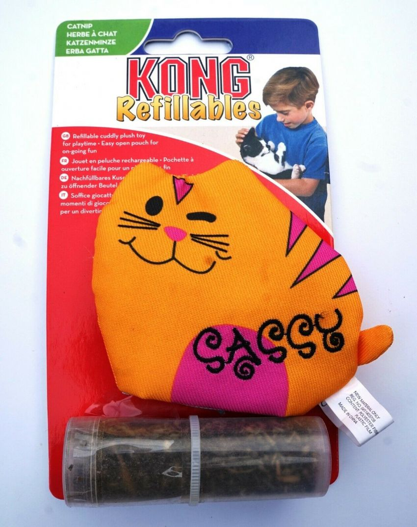 KONG REFILLABLE CATNIP SASSY CAT CUDDLY PLUSH CAT TOY WITH EASY OPEN POUCH